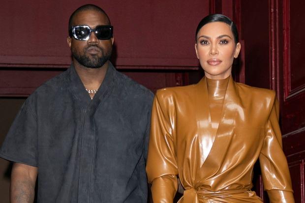 Ganti Nomor, Kim Kardashian Hanya Bisa Hubungi Kanye West lewat Petugas Sekuriti