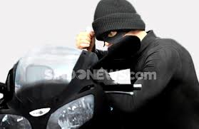 Aksinya Terekam CCTV, Maling Ini Kembalikan Motor yang Dicuri Selama 5 Hari