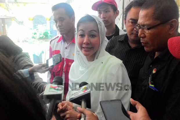 Di Kongo Heboh Gunung Emas, di Jakarta Ada 'Wanita Emas' yang Kritik Anies Gara-gara Banjir