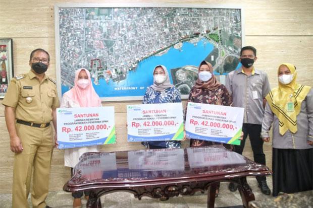 Pemkot Lindungi Relawan Makassar Recover dengan BPJS Ketenagakerjaan