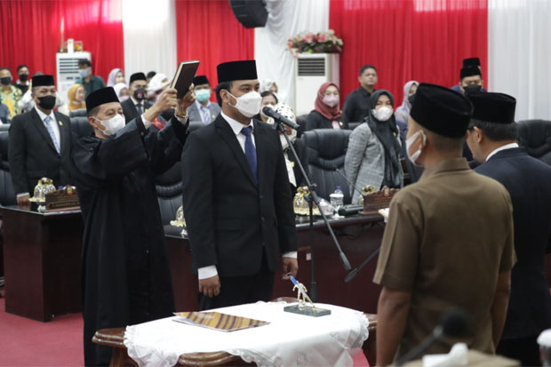 Syukran Kahfi Dilantik Jadi Anggota DPRD Makassar