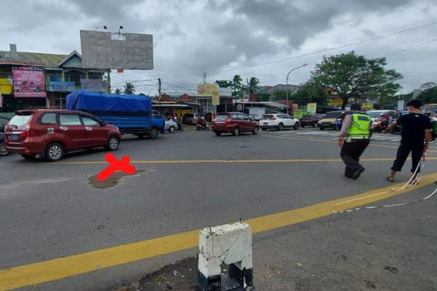 Kecelakaan, Pensiunan PNS di Makassar Tewas Terlindas Truk