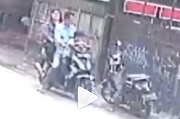 Viral, Pencuri HP Lancarkan Aksinya Sambil Bawa Istri dan Anak