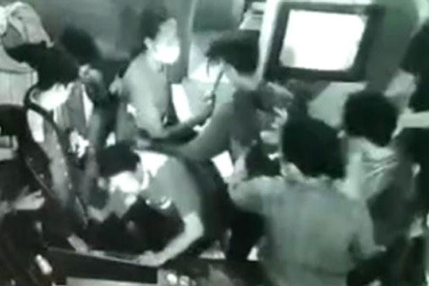 Polisi Tangkap 11 Pelaku Pengeroyokan Remaja di Dalam Warnet