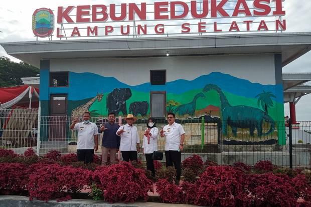 Masyarakat Antusias Serbu Kebun Edukasi Lampung Selatan