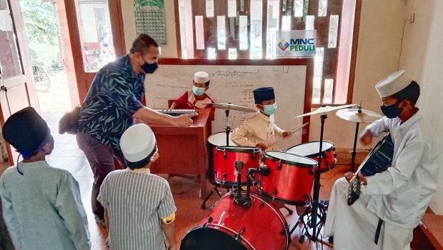 MNC Peduli Kembali Adakan Pelatihan Musik bagi Anak-Anak di Bantar Gebang