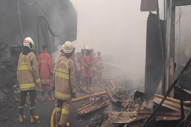 Kebakaran Pasar Kambing di Tanah Abang, Dua Mobil Hangus