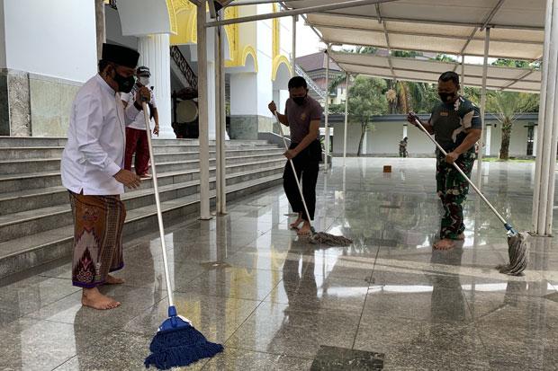 Jelang Ramadhan, Forkomfinda Kabupaten Bekasi Serentak Bersihkan Masjid