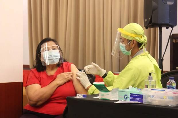 Percepat Program Vaksinasi, Polres Jaksel Sasar Petugas Pelayanan Publik