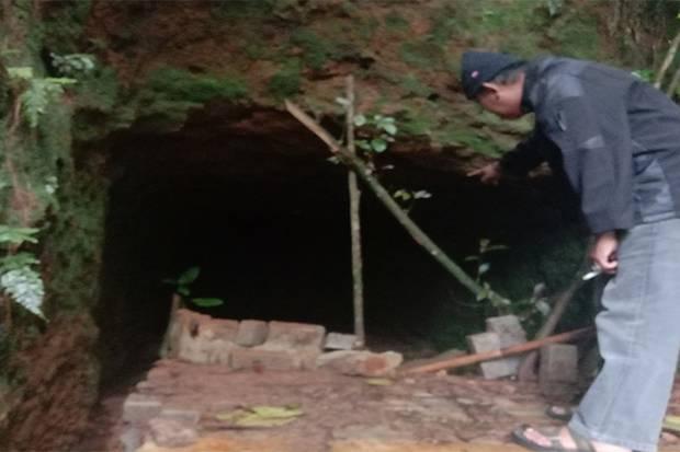 Misteri Gua Berkamar 9 di Gunung Burangrang Purwakarta