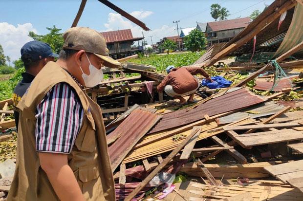 40 Rumah Panggung di Kabupaten Wajo Roboh Diterjang Angin Kencang