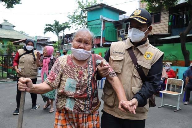 Pemprov DKI Sediakan Fasilitas Antar Jemput Lansia ke Lokasi Vaksinasi