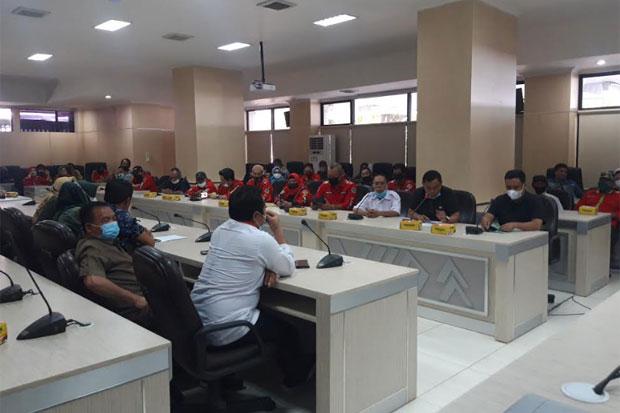 Mengadu ke Dewan, Ketua RT/RW di Makassar Tolak Penunjukan Plt