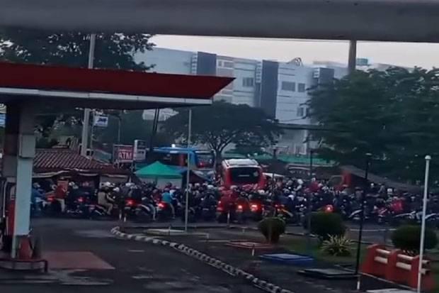 Horor, Antrean Kendaraan di Jembatan 2 Bekasi Bikin Merinding dan Jadi Perdebatan Netizen
