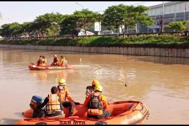 Asyik Berenang Bareng, Remaja Jatimulya Tenggelam di Kalimalang