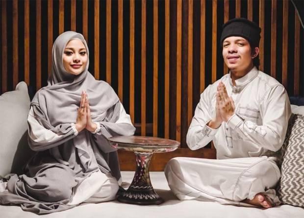 8 Pasangan Artis Ini Pertama Kali Jalani Ramadhan sebagai Suami Istri