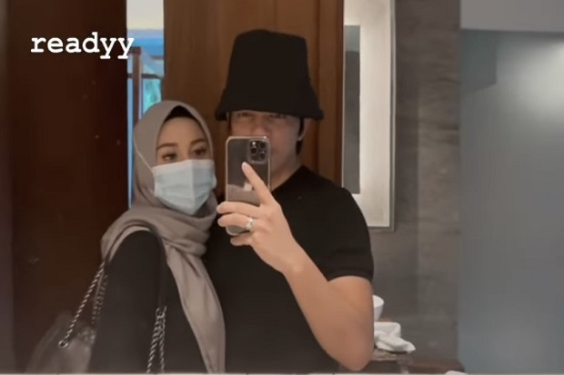 Aurel Kelewat Cantik Pakai Hijab, Atta Sampai Tidak Berhenti Lihat