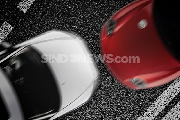Terlibat Kecelakaan di Jalan Gatot Subroto, 2 Kendaraan Ringsek
