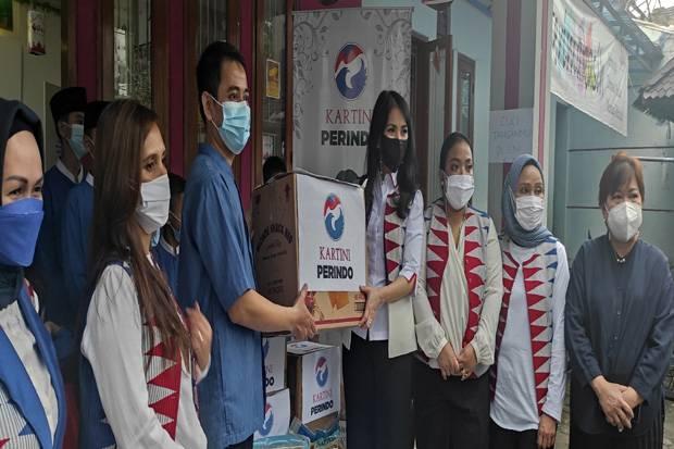 Kartini Perindo Tutup Rangkaian HUT Ke-5 dengan Berbagi Kebahagiaan di Panti Yatim Indonesia Ciranjang