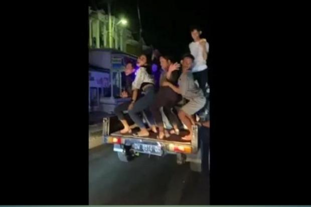 Diiringi Musik Diskotek, Kelompok Pemuda di Bone Keliling Bangunkan Warga Sahur