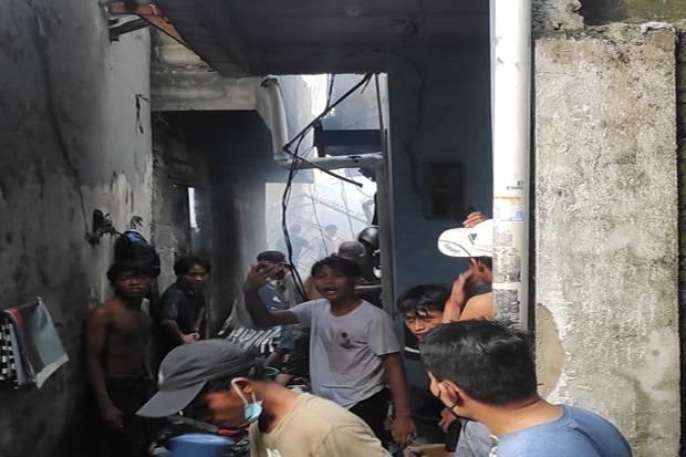 Kebakaran Rumah di Taman Sari, Warga Keluhkan Petugas Damkar Kurang Maksimal