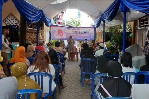 Reses di Kelurahan Kunjung Mae, Kartini Terima Keluhan Soal Pendataan Bansos