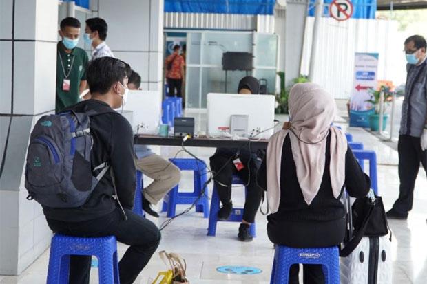Bandara Sultan Hasanuddin Mulai Dipadati Warga Jelang Aturan Larangan Mudik