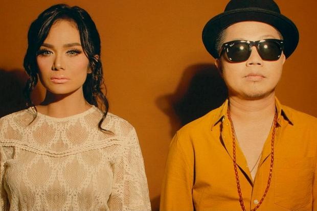 Comeback, Krisdayanti Gandeng Sandhy Sondoro Cover Lagu Hanya Memuji