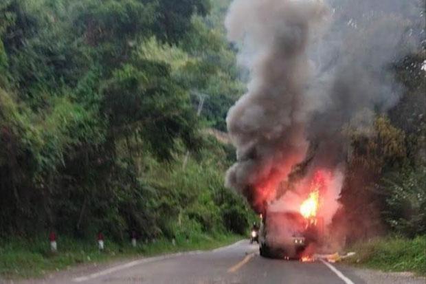 Minibus di Jalan Poros Enrekang-Toraja Terbakar, 8 Penumpang Selamat