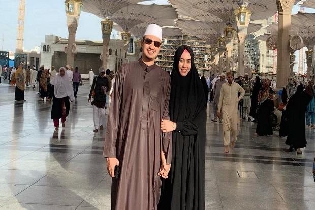 Suami Kartika Putri, Habib Usman Positif Covid-19