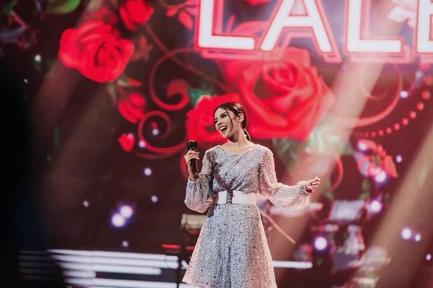 5 Gaya Glamor Rimar Callista di Atas Panggung Indonesian Idol Special Season