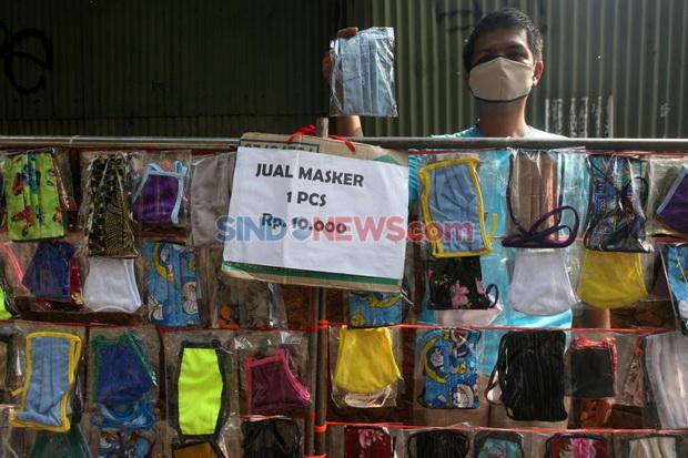 Viral, Jamaah Dilarang Masuk Masjid karena Pakai Masker