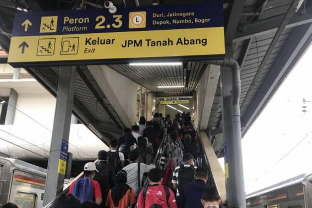 KRL Ubah Jam Operasional Menuju Stasiun Tanah Abang untuk Cegah Kepadatan