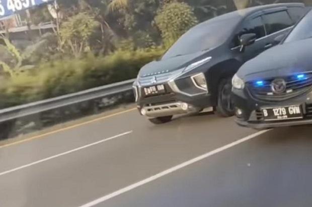 Viral! Mobil Mewah Ugal-ugalan di Tol Jakarta-Tangerang dan Nyalakan Lampu Strobo