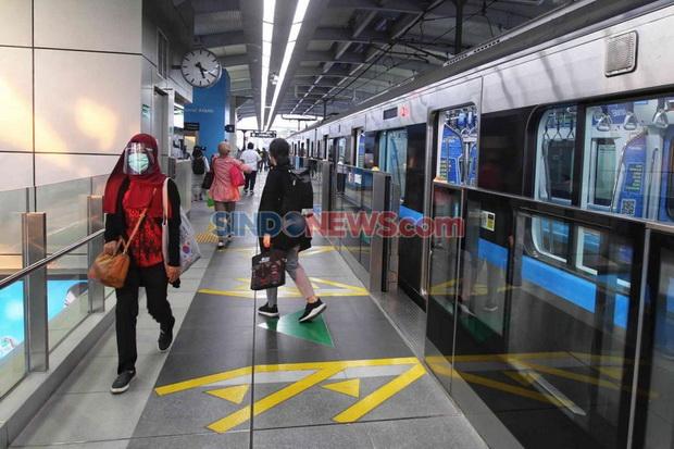 Penumpang MRT Melonjak di Tengah Pembatasan Layanan Stasiun Tanah Abang