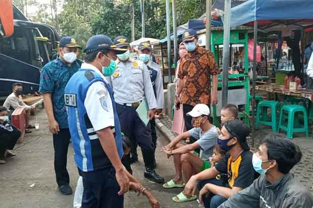 Sehari Jelang Larangan Mudik, Terminal Poris Plawad Tangerang Diserbu Pemudik