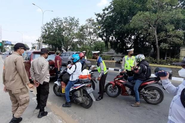 Sekat Jalan Jayanti, Pemudik Tangerang Berhasil Dihalau Masuk Serang