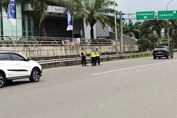 7,5 Jam, 25 Kendaraan Diputarbalik di GT Bekasi Barat