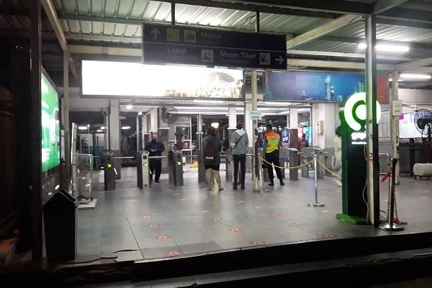 Jam Operasional KRL Commuter Line Dikurangi, Stasiun Bekasi Tampak Lengang