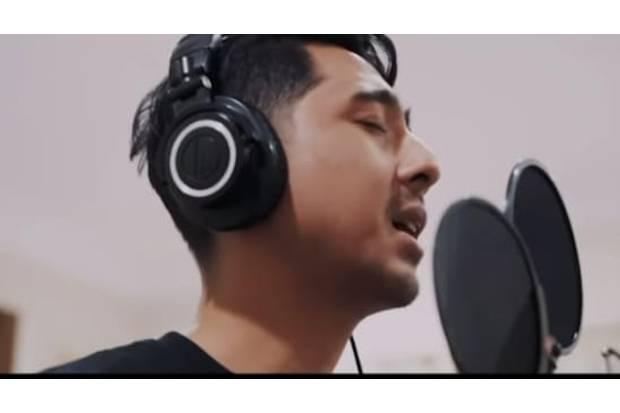 Video Cover Lagunya Peringkat 17 di YouTube, Arya Saloka Tetap Belum Pede Nyanyi