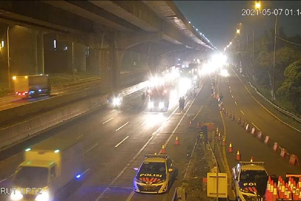 Hari Pertama Larangan Mudik, 1.456 Kendaraan Terjaring di 2 Gerbang Tol Ini
