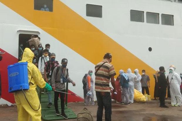 Ratusan Penumpang Tiba di Pelabuhan Ajatappareng Parepare