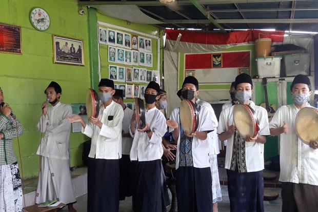 Hadrah Yayasan Nurul Qulub Sambut Kegiatan Bagi Santunan Baja Perindo