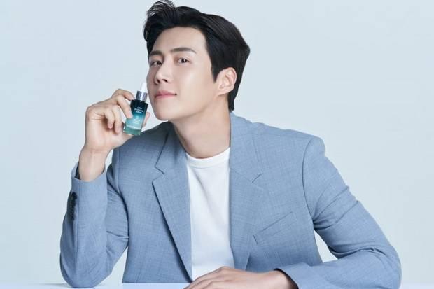 Aktor Korea Kim Seon-ho Ditunjuk sebagai Skincare Mentor Everwhite