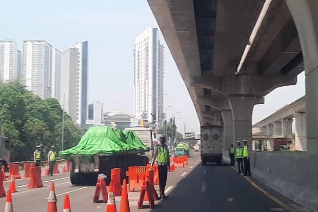 Titik Penyekatan KM 31 Tol Jakarta-Cikampek Sepi Kendaraan Pemudik