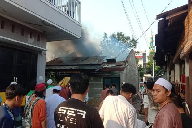 Ditinggal Salat Ied, Empat Rumah Kontrakan Hangus Terbakar