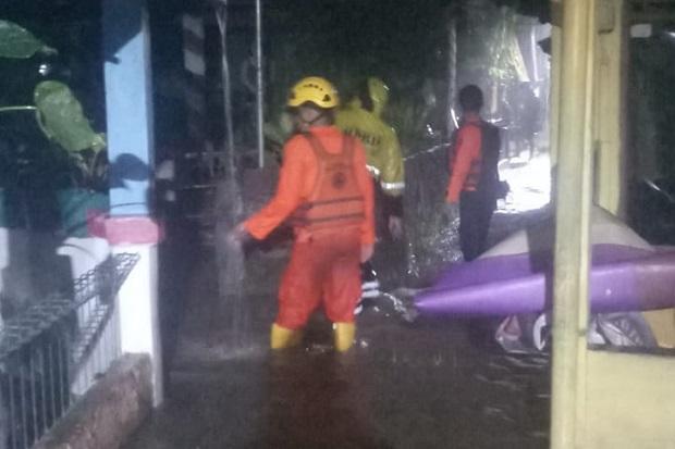 Hujan Deras Guyur Bogor Sebabkan Longsor dan Banjir di 12 Titik