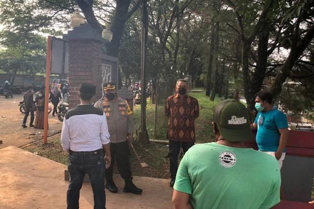 Pengunjung Taman Kota 2 Tangsel Dibubarkan Polisi