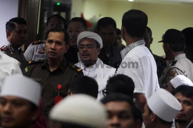 Jaksa Tuntut Habib Rizieq Shihab 10 Bulan Penjara dan Denda Rp50 Juta