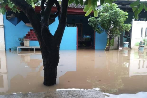 Tanggul Kali Sadang Rembes, 2 Perumahan di Bekasi Kebanjiran